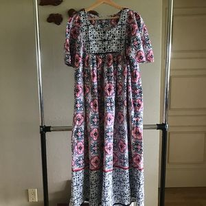 Only Necessities long colorful short sleeve dress